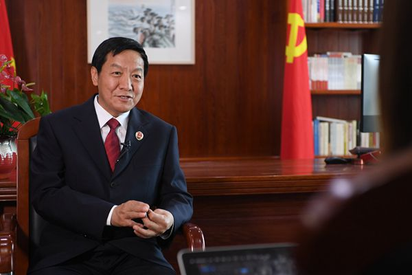 全国人大代表贾宇:关注民企反腐和检察公益诉讼立法